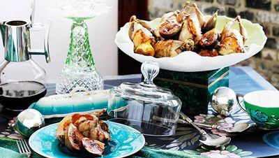 "<a href=""http://kitchen.nine.com.au/2016/05/16/17/23/roast-quail-with-caramelised-fig-and-sherry-stuffing"" target=""_top"">Roast quail with caramelised fig and sherry stuffing</a>"