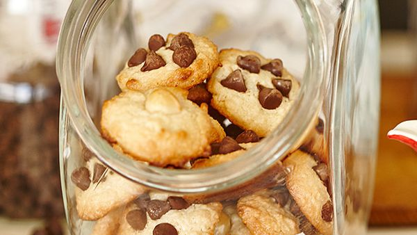 Quick mix macadamia and chocolate chip cookies