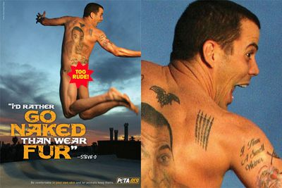 The <i>Jackass</i> star bares his tats (and his bum!).