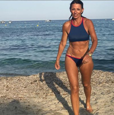 Sporty Davina likes to be active every day. A swim is always fun.