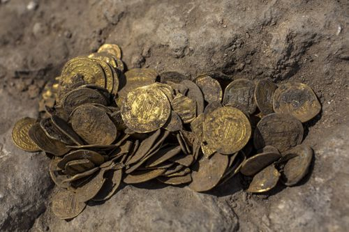 'Extremely rare': Israeli dig unearths large trove of ancient Islamic gold coins