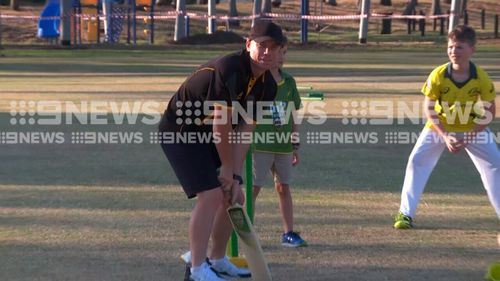 Warner stepped back onto the cricket pitch in Darwin. (9NEWS)