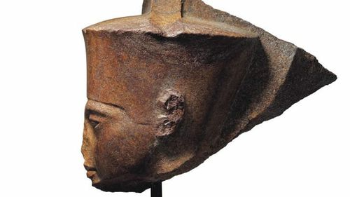 The statue is said to have features reminiscent of Pharaoh Tutankhamen.