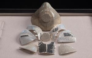 Israeli jeweller makes gold coronavirus face mask worth $2.1 million