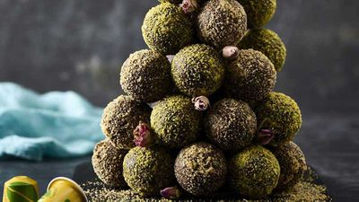 "Recipe:&nbsp;<a href=""http://kitchen.nine.com.au/2016/09/09/14/17/darren-purchese-brazilian-coffee-truffle-tower"" target=""_top"">Darren Purchese's cafezinho do Basil brigadeiro (Brazilian coffee truffle tower)</a>"