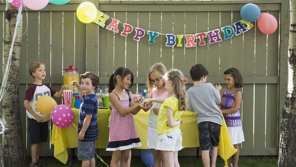 A Parents Guide To Kids Birthday Party Etiquette