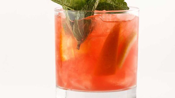 Zonin low calorie grapefruit prosecco cocktail