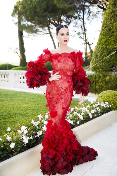 After a week of show-stopping red carpet appearances at the Cannes Film Festival, fashion insiders gathered at the Hotel du Cap-Eden-Roc for amfAR's 23rd Cinema Against AIDS Gala overnight.&nbsp;From Karlie Kloss in Marchesa, to Elle Fanning in Valentino and Vanessa Paradis in Chanel, these A-listers proved the wisdom in saving the best till last.&nbsp;<br /> <br /> Click through to see all the looks.&nbsp;