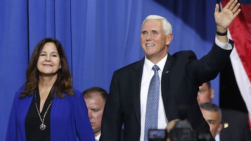 Vice President Mike Pence and his wife Karen arrive prior to a campaign rally speech by appear in Minneapolis (Photo: October 10, 2019)