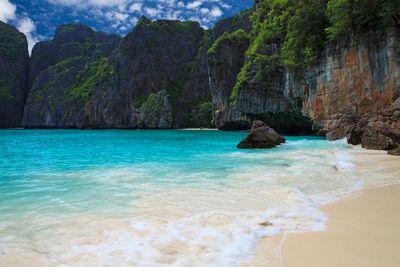 <strong>11. Maya Bay,&nbsp;Thailand</strong>