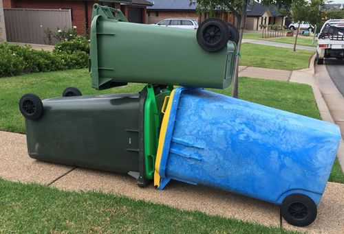 Wagga Council is transitioning to a new waste collection service (FACEBOOK)