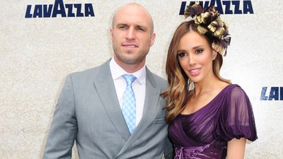 Chris and Rebecca Judd arrive for the 2014 Melbourne Cup. (AAP)