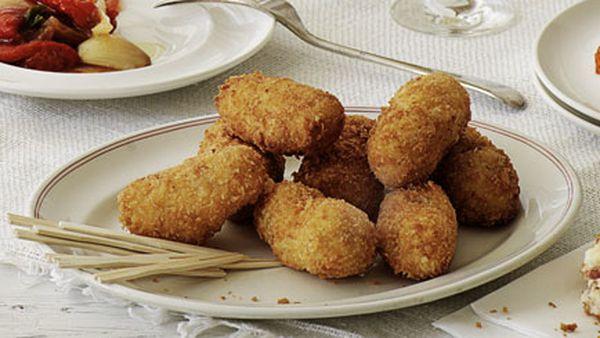 Jamón Ibérico and egg croquetas (Croquetas de jamón Ibérico con huevo)