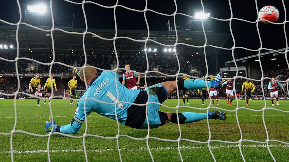 Noble on the spot as Hammers beat Watford