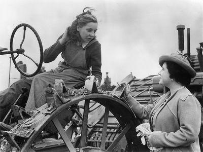 Queen Elizabeth, August 1943