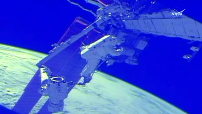 Jetpack failure cuts spacewalk short