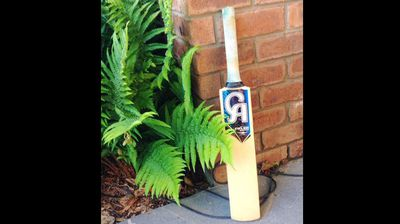 ‏@SaulMadden <p></p><p>  #putoutyourbats #RIPHughsey #408 a life taken far to soon deepest sympathy goes out to all @CricketAus @MClarke23 </p><p></p>