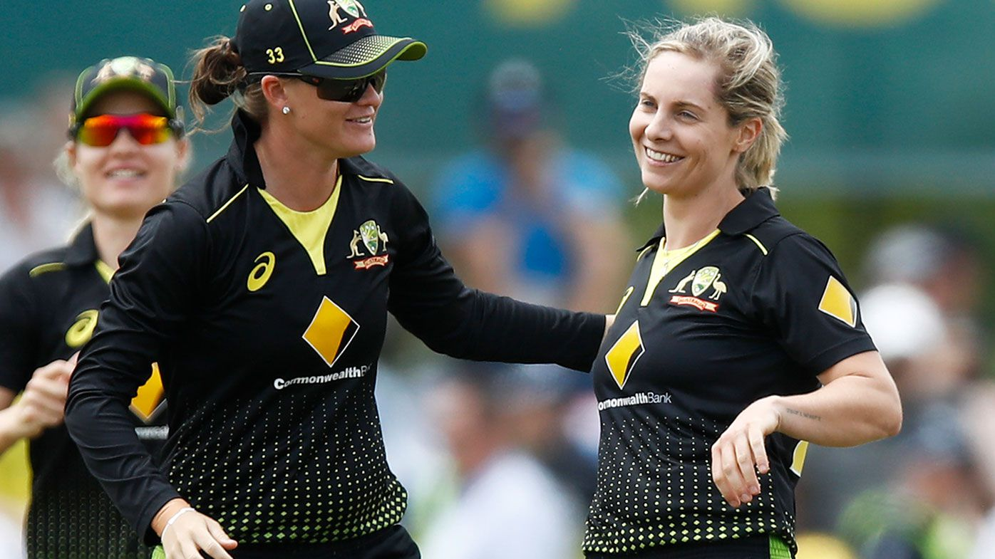 Sophie Molineux overcomes injury for T20 final