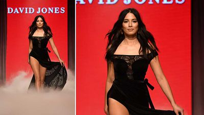 Model Jessica Gomes wears an outfit by Jets. (AAP)