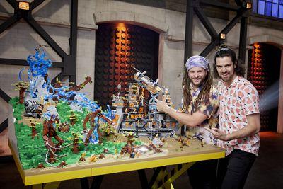 Engineers Versus Hippies | Free Build Challenge