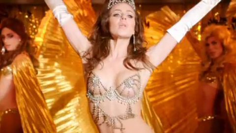 Watch: Jessica Marais shakes her girls as transgender showgirl Carlotta