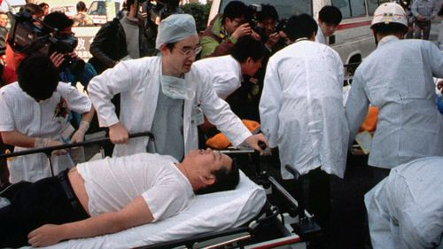 Doctors treat survivors of the Tokyo subway attacks in 1995. (Photo: AP).