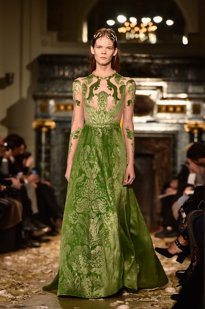 For Hollywood's latest rising star, we predict rich, opulent tones to accentuate her honeyed complexion and an ethereal, feminine gown - as per Valentino's moss green velvet number.