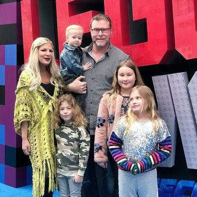 Tori Spelling, Dean McDermott, kids Liam, Stella, Hattie, Finn and Beau.