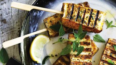 """<a href=""""http://kitchen.nine.com.au/2017/04/10/10/40/will-and-steve-haloumi-popsicles"""" target=""""_top"""" draggable=""""false"""">Will and Steve's haloumi popsicles</a> recipe"""