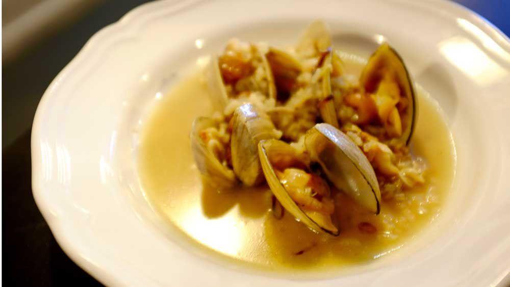 Bar Lourinha's Cloudy Bay clams
