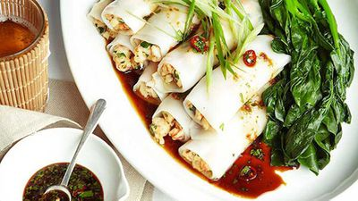 "<strong>S<a href=""http://kitchen.nine.com.au/2016/05/16/12/16/steamed-prawn-rice-noodle-rolls-with-chilli-soy-and-garlic-dressing"" target=""_top"" draggable=""false"">teamed prawn rice noodle rolls with chilli, soy and garlic dressing </a>recipe</strong>"