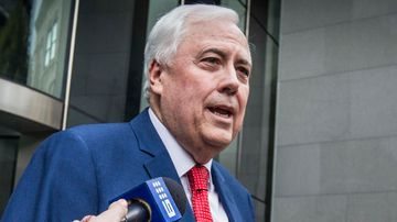 Clive Palmer returns from lavish cruise to front court