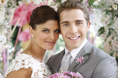 """<div align=""""left""""><B>When:</b> 2009<br/><br/>And we have the list's second groom-doing-a-runner, this time it's Ben (Hugh Sheridan). Of course, it all ended up okay (like it always does). They got their picture-perfect happily-ever-after, well, until Zoe Ventoura (who played Melissa) wanted to pursue an acting career in the States…</div>"""