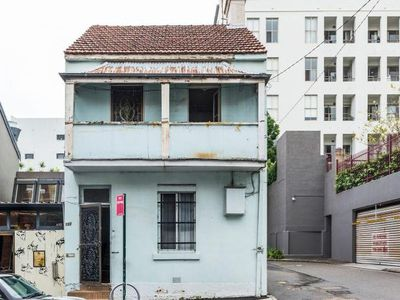 <strong>102 Reservoir St, Surry Hills, sold: $2.11 million</strong>