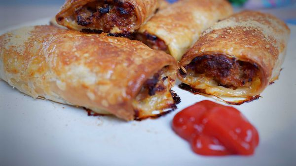 9Honey Every Day Kitchen: The ultimate recipe for sausage rolls