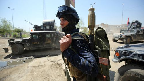 Operation to reclaim Mosul displaces nearly half a million