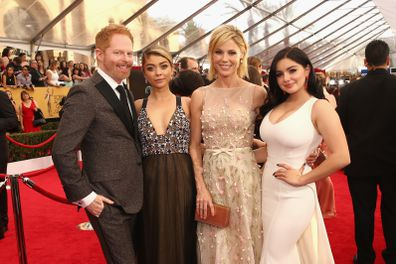 Modern Family stars Jesse Tyler Ferguson, Sarah Hyland, Julie Bowen, Ariel Winter, Screen Actors Guild Awards in 2015, red carpet