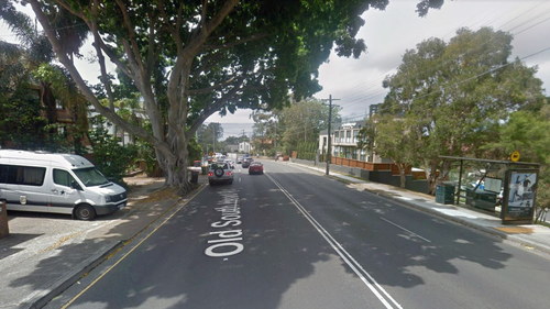 Male driver flees serious injury crash in Bondi
