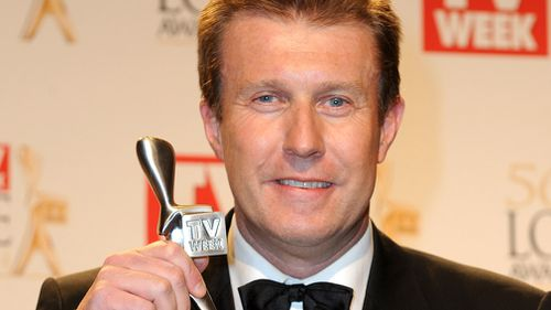 Peter Overton with the Silver Logie for Most Outstanding News Coverage, at the 2014 Logie Awards. (AAP)