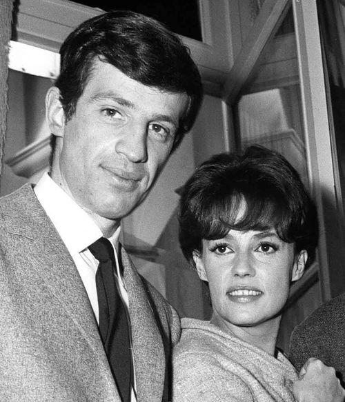 Jeanne Moreau (right) with actor Jean Paul Belmondo in 1963. (AAP)