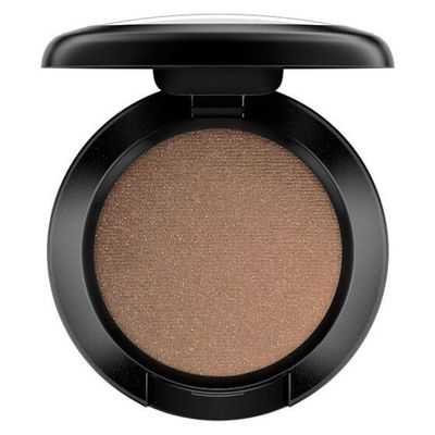 "All eyes on -<a href=""https://www.mecca.com.au/mac-cosmetics/eye-shadow/V-030307.html"" target=""_blank"" draggable=""false"">MAC Cosmetics Eye Shadow in Woodwinked, $33</a>"