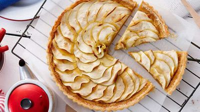 "Recipe:&nbsp;<a href=""http://kitchen.nine.com.au/2016/05/16/15/37/caramel-apple-tart"" target=""_top"">Caramel apple tart</a>"
