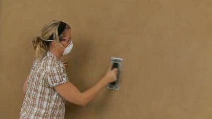 Painting a feature wall with Dulux Design Suede and Dulux Design Stone