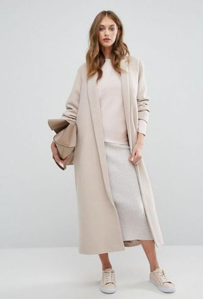 "Misguided shawl robe at <a href=""http://www.asos.com/au/missguided/missguided-shawl-collar-robe-maxi-coat/prd/7194426?iid=7194426&amp;clr=Stone&amp;cid=15143&amp;pgesize=36&amp;pge=0&amp;totalstyles=69&amp;gridsize=3&amp;gridrow=2&amp;gridcolumn=2"" target=""_blank"">Asos</a>, $120<br>"