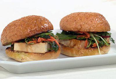 Tamari tofu burger