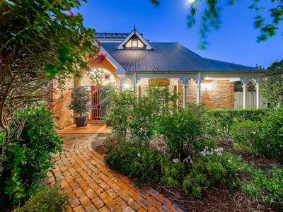 12 Thalia Court, Corinda QLD 4075