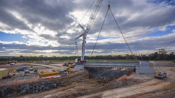 Construction of western Sydney's 'harbour bridge' ramps up