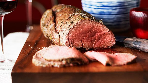Roast fillet of beef and vegetables