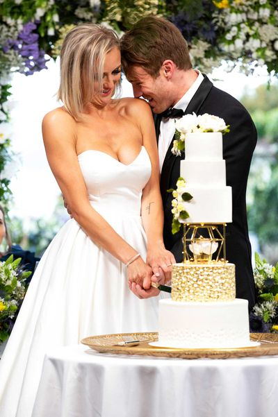 Married at First Sight is back for Season 6, and at 9Honey Kitchen we're already neck-deep in the romantic details. But the best place to start is always at the wedding cake
