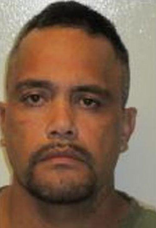 Prisoner escapes on way to Queensland hospital
